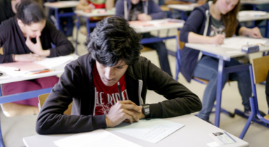COVID-19 : report des examens nationaux et des concours